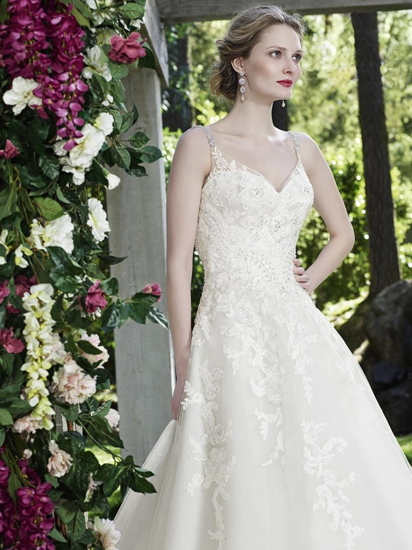 Wedding Dress 9065 - Dominique Levesque Bridal