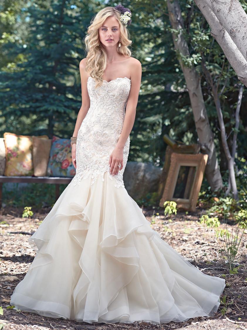 Wedding Dress 8999 - Dominique Levesque Bridal