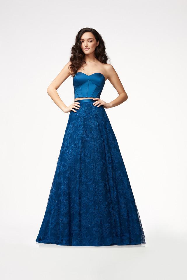 Wedding Dress 6502 - Dominique Levesque Bridal