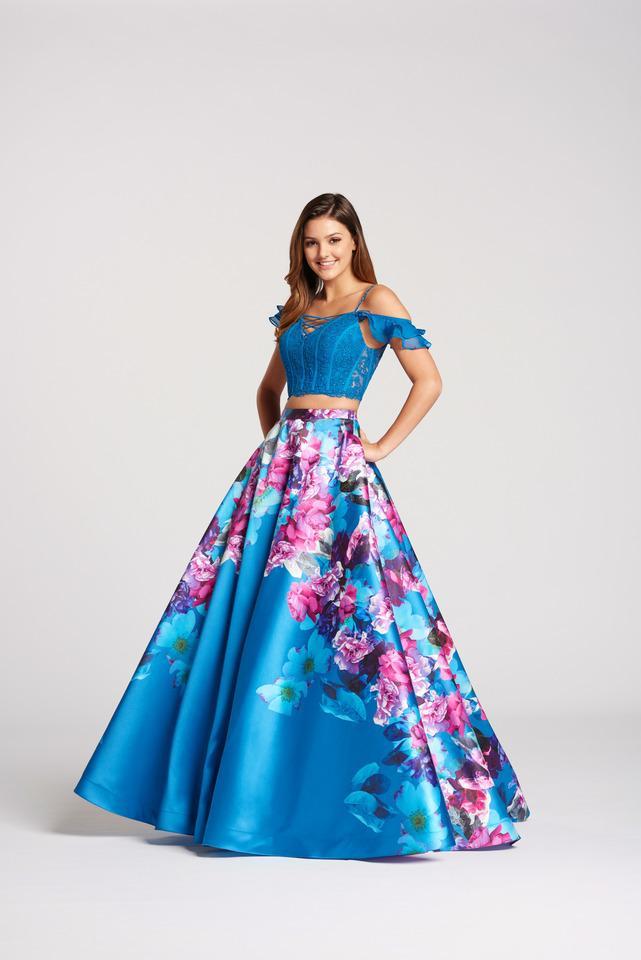 Wedding Dress 9684 - Dominique Levesque Bridal