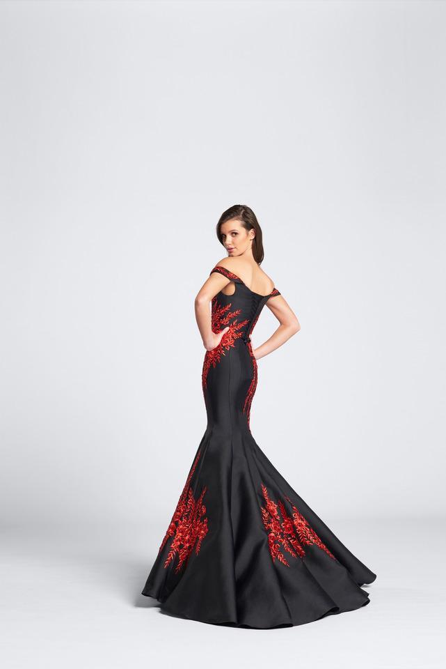 Wedding Dress 9495 - Dominique Levesque Bridal