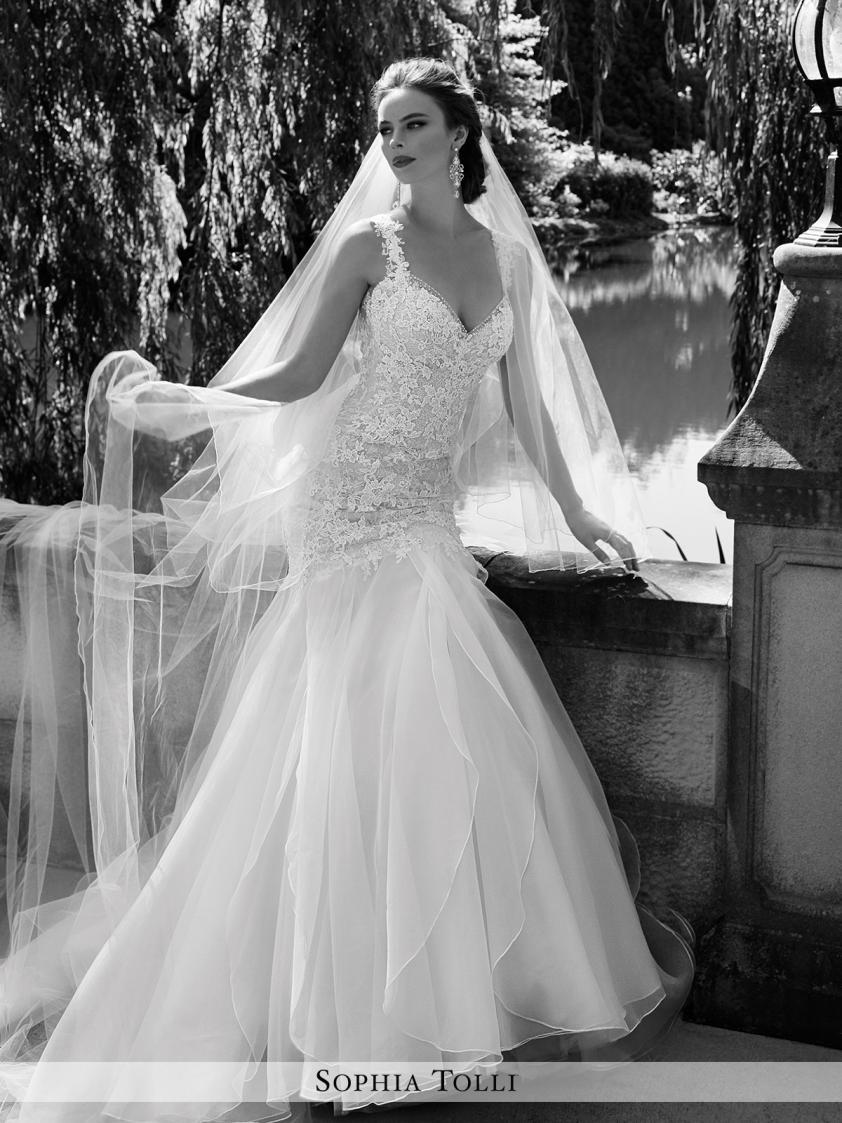Wedding Dress 9180 - Dominique Levesque Bridal