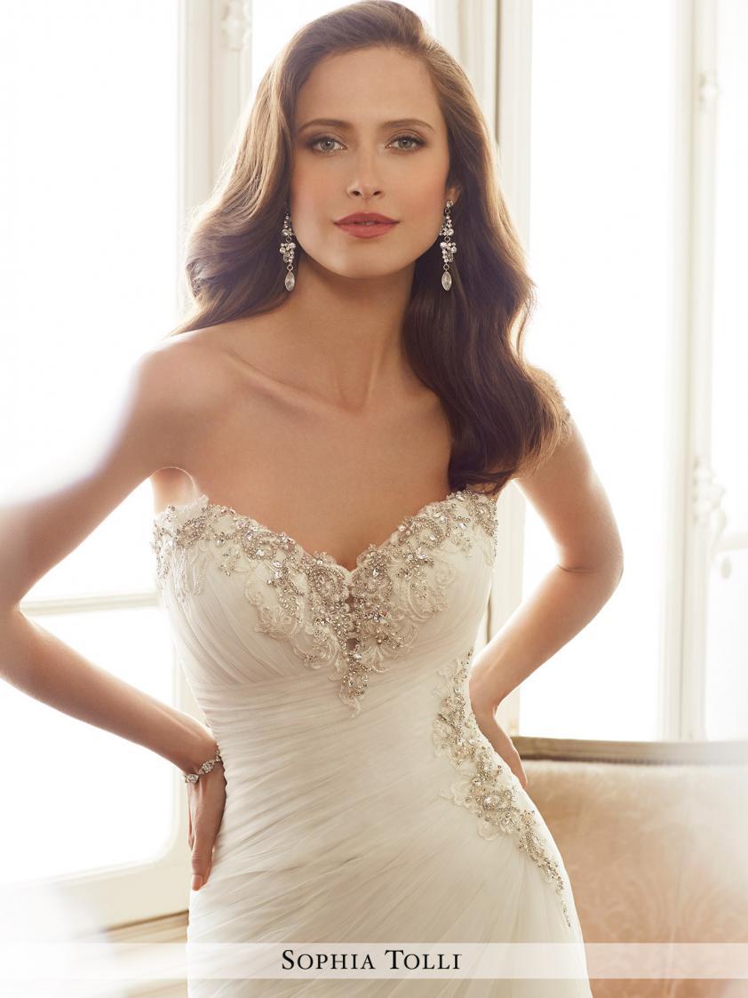 Collection Item 9234 Dominique Levesque Bridal Salon