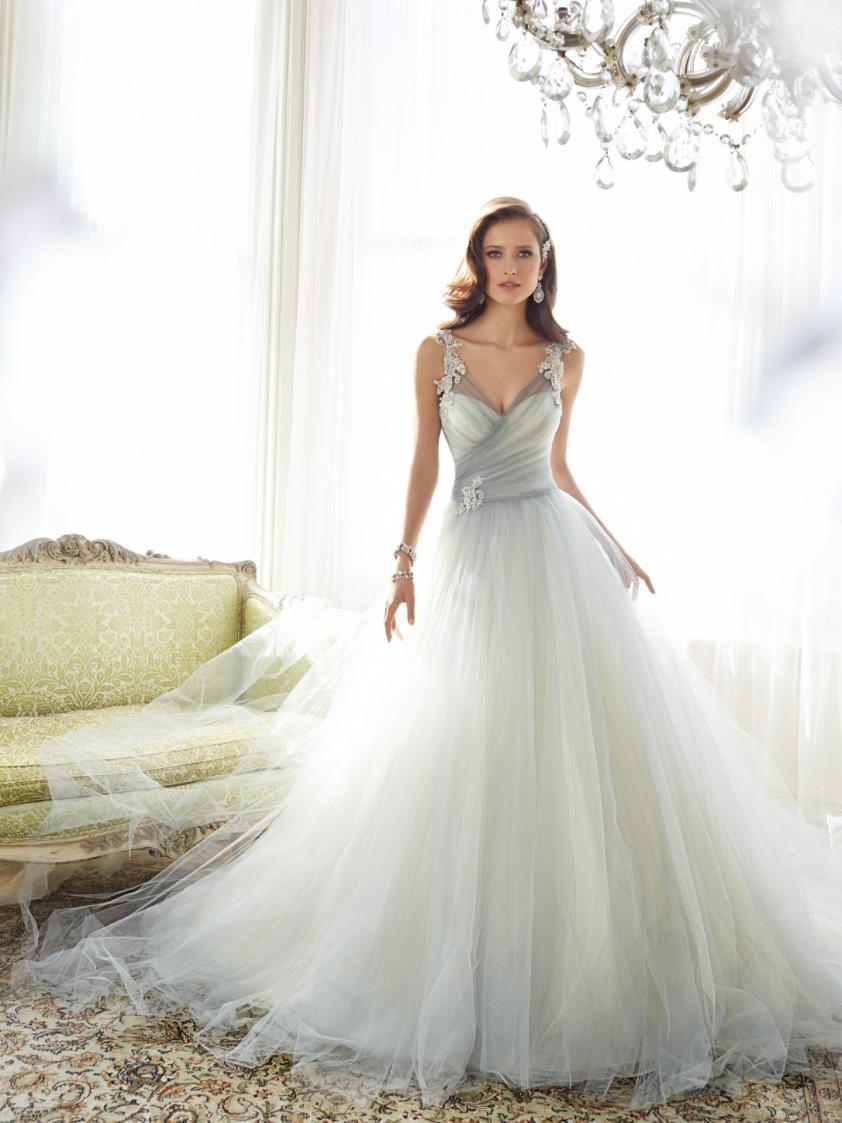 Wedding Dress 8382 - Dominique Levesque Bridal