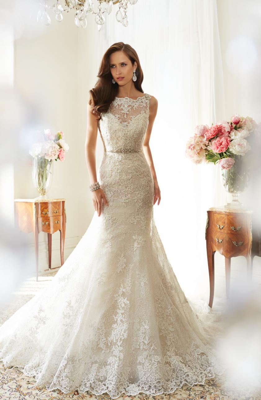 Wedding Dress 8389 - Dominique Levesque Bridal