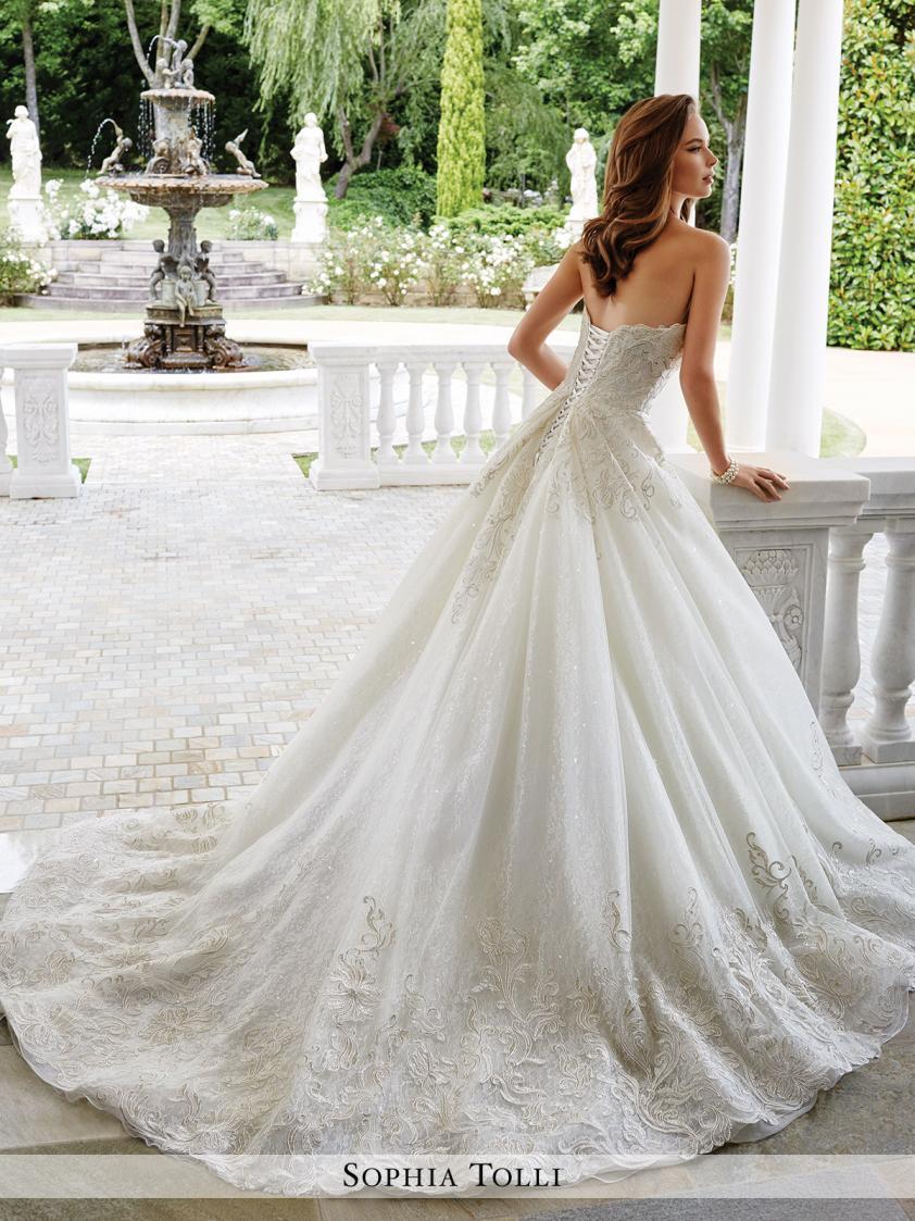 Wedding Dress 9205 - Dominique Levesque Bridal