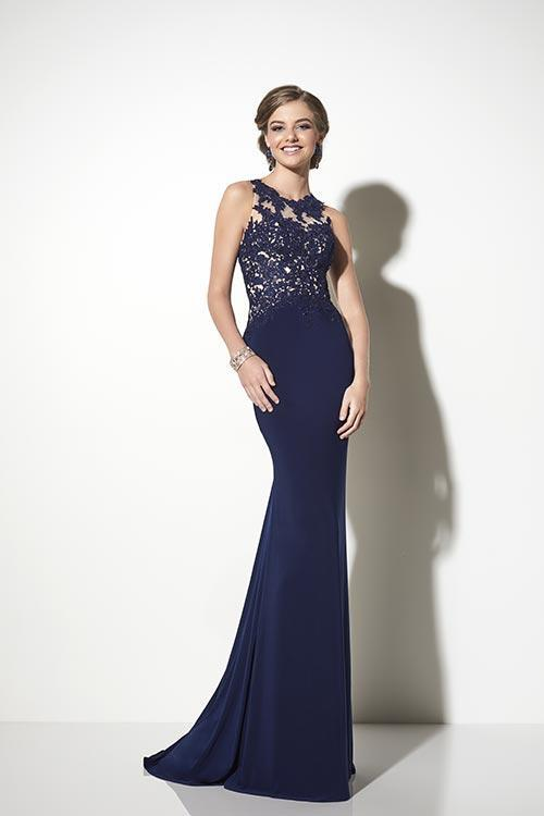 Wedding Dress 9333 - Dominique Levesque Bridal
