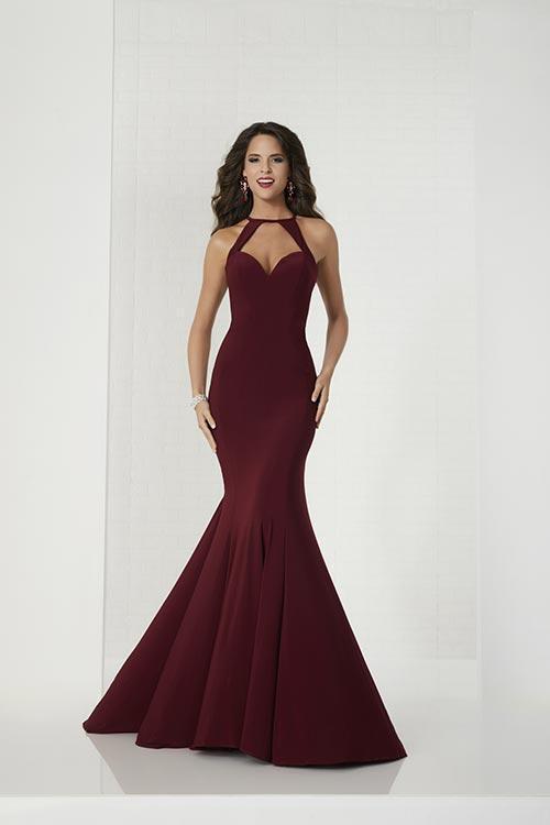 Wedding Dress 9519 - Dominique Levesque Bridal
